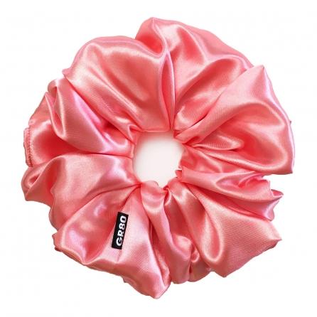 Óriás, lazac színű selyem hajgumi (scrunchie) prémium minőségű szaténból. Átmérője kb. 16-17 cm