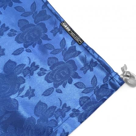 Professzionális brokát selyem hegedűhuzat, anyagában rózsa mintás (jacquard), alul záródó formahuzat. Királykék színű